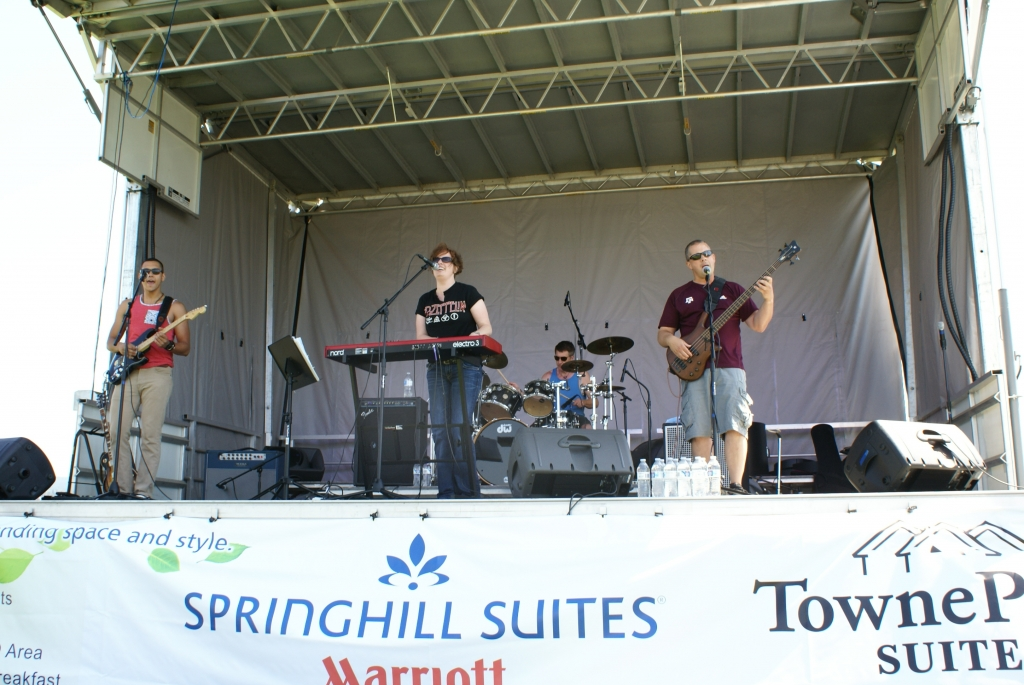 Kick back, relax and enjoy live music during the 4th of July celebration!