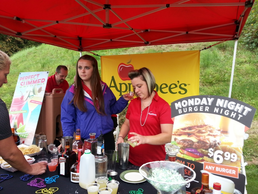 Applebee's served a tasty lunch and yummy beverages at the 2015 Chamber Golf Classic.